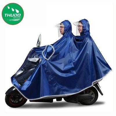 Áo mưa cánh dơi do xưởng Thủ Đô sản xuất có rất nhiều ưu điểm