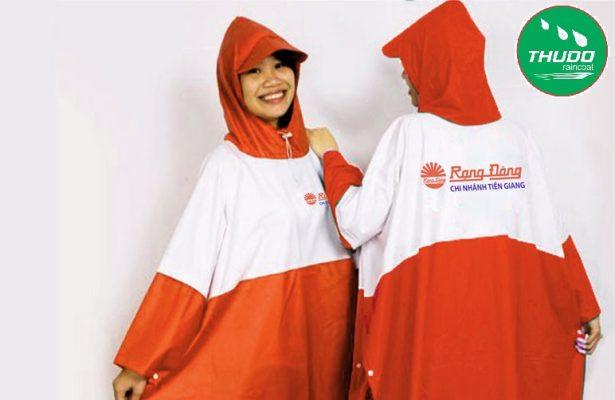 Áo mưa in logo công ty là gì