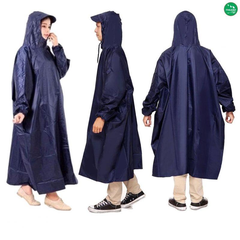 Chất liệu của loại áo mưa này bền, đường may chắc chắn